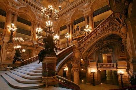 Paris-Opera-House-France-tips-travel-on-a-budget